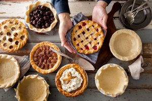 photo courtesy of: http://www.chowhound.com/food-news/156256/11-kinds-of-pie-you-need-at-your-thanksgiving-table/