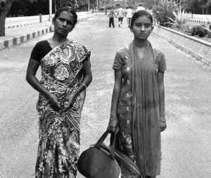 http://www.thehindu.com/news/cities/chennai/girl-loses-way-walkers-fly-her-to-coimbatore-for-admission/article7521315.ece